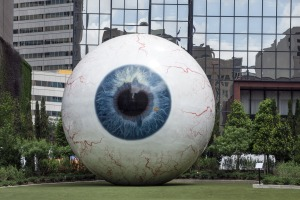 giant-eyeball-555793_1920